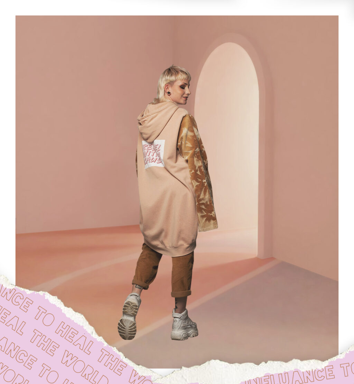 SEEFD-format-pinksweater3